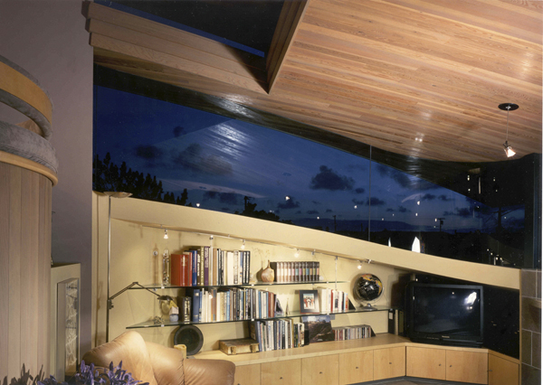 Smart-Sustainable-Architecture-Design-Triangle-House-domusstudio