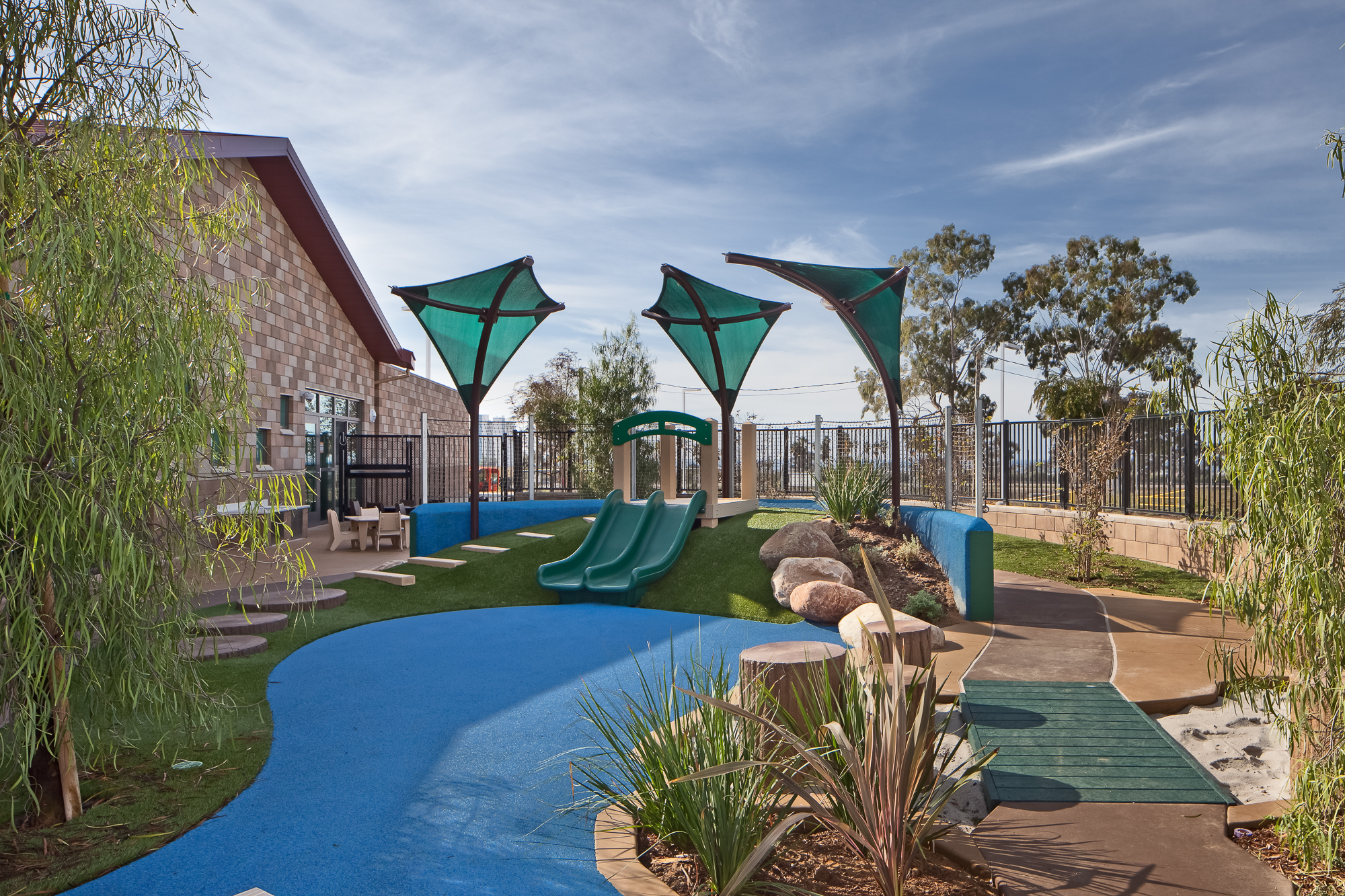 Camp-Pendleton-Child-Development-Center-by-domusstudio-educational-architecture