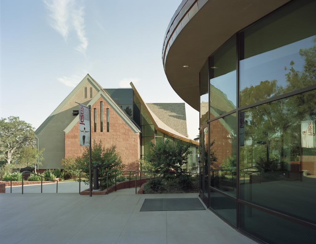 La-Canada-Presbyterian-Church-domusstudio-religious-architecture