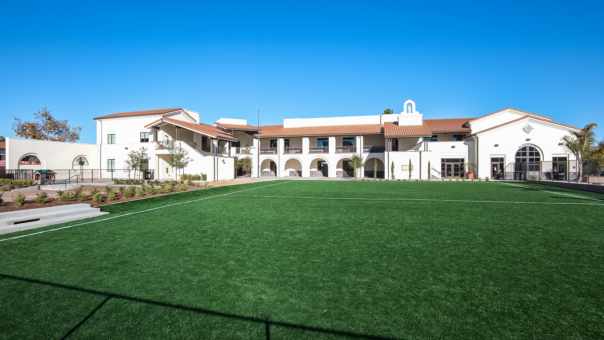 St-Rose-Lima-domusstudio-educational-architecture