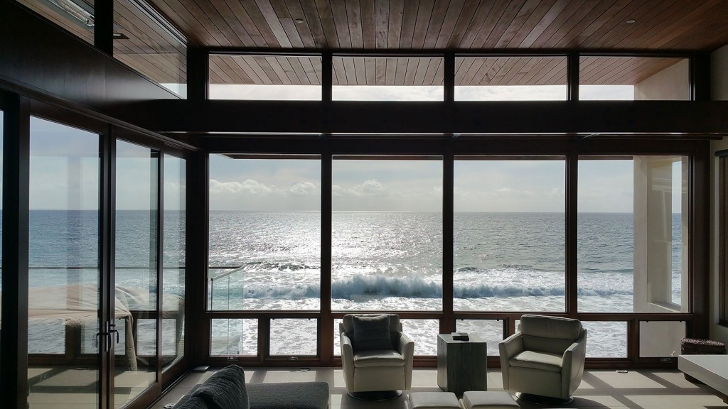 01-south-pacific-beach-house-domusstudio-architecture